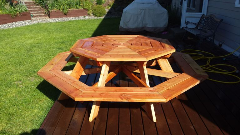 5 free picnic table plans diy woodworking plans 2 free plan for an octagon picnic table by ana white keyboard keysfo Gallery