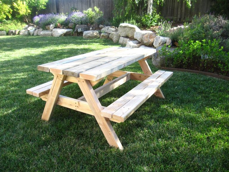 5 Free Picnic Table Plans — DIY Woodworking Plans