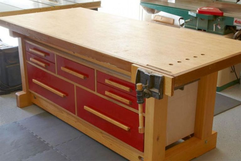 This free workbench plan from Wood Magazine is for building a workbench  that also serves as an out feed table for a tablesaw 6 Free Workbench Plans   DIY Woodworking Plans. Free Plans Building Wood Workbench. Home Design Ideas